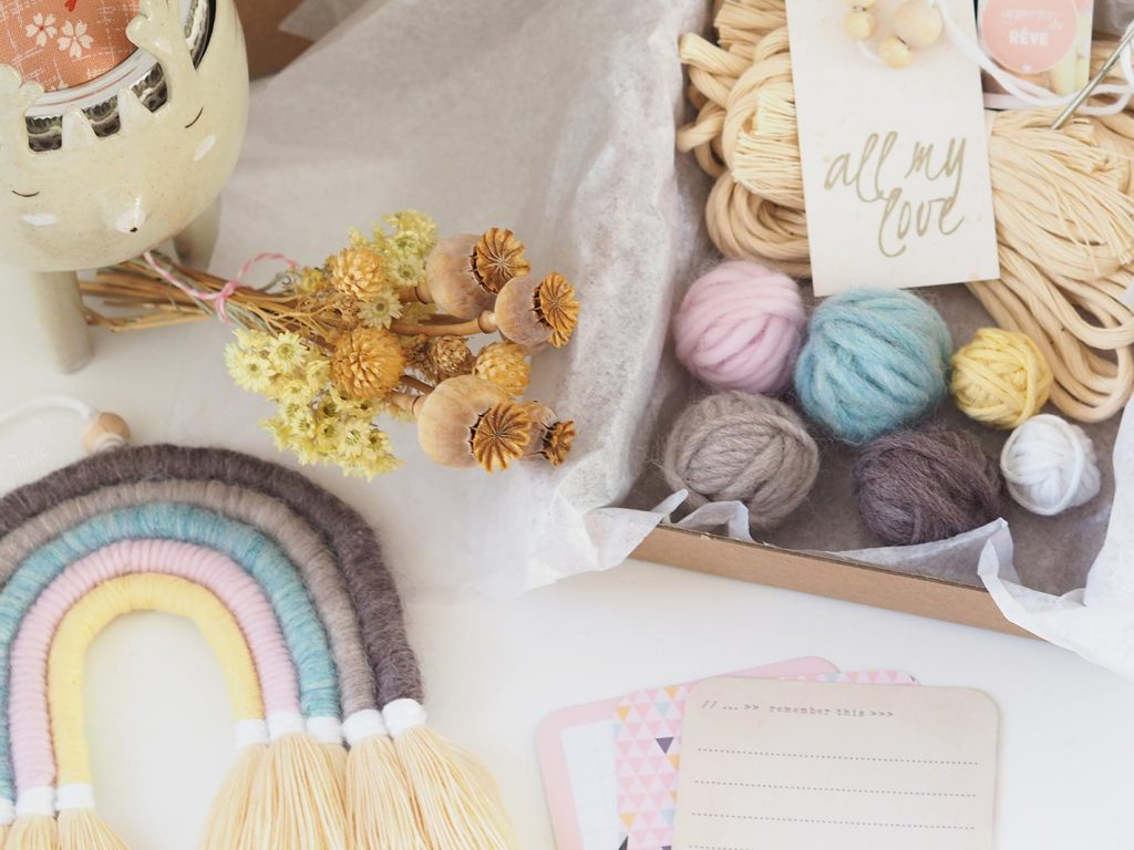 kit DIY laine arc-en-ciel rainbow wool la boutique de melimelo