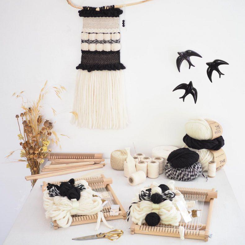 kit-DIY-tissage-laine-blanc-noir-or-chevron-pompons-wallweaving-laboutiquedemelimelo