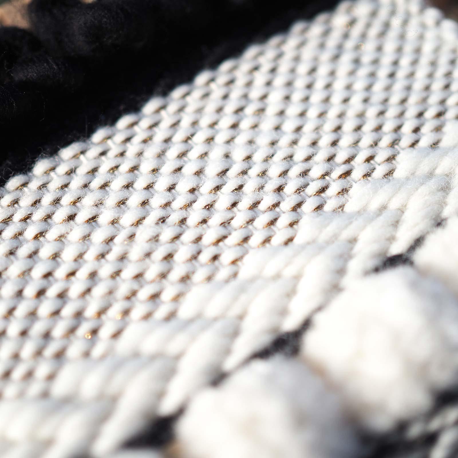 kit de laine reflets d'or modèle DIY détails blanc laboutiquedemelimelo