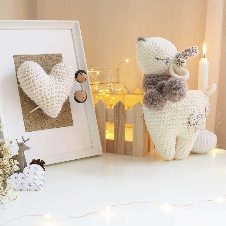 lot-crochet-biche-bambi-doudou-amigurumi-cadre-coeur-rangement-blanc-laboutiquedemelimelo