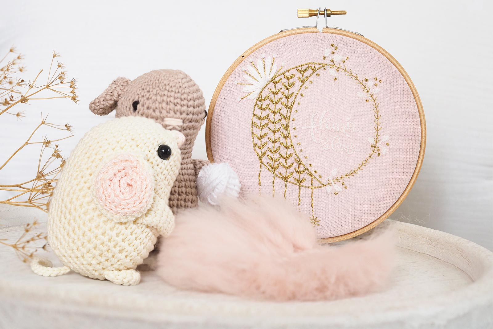lune or portebonheur broderie crochet souris rat Boutique MeliMelo