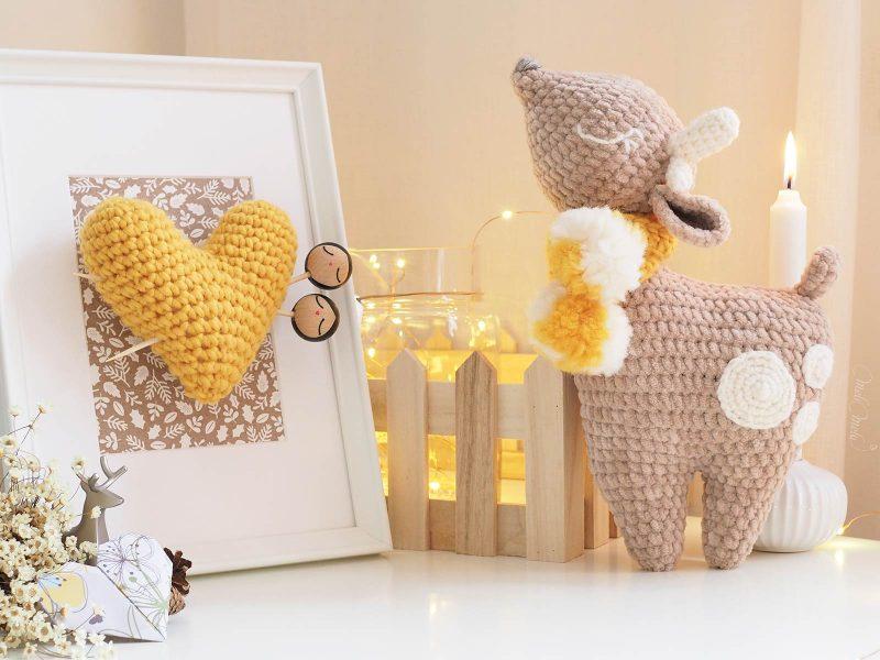 magie-crochet-biche-bambi-doudou-amigurumi-cadre-coeur-rangement-laboutiquedemelimelo