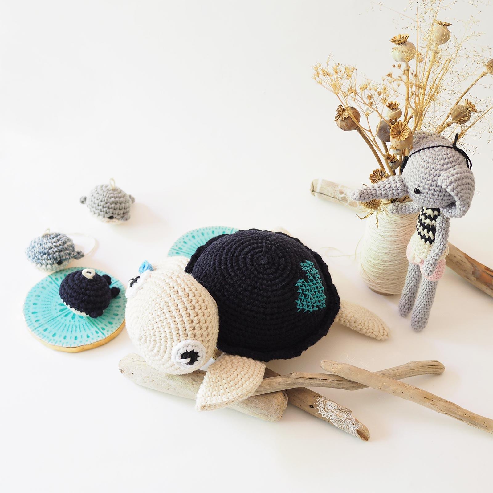marinière bleu tortue baleine éléphant pirate crochet serial crocheteuses more 442 isabelle kessedjian laboutiquedemelimelo