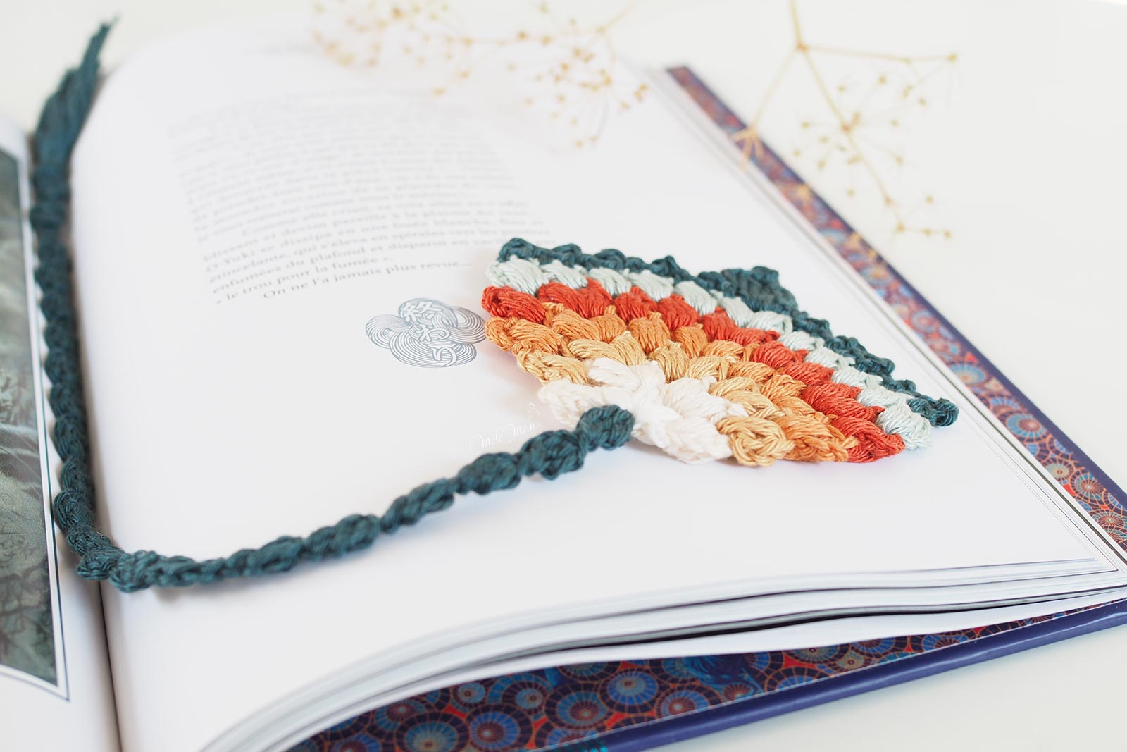 marque-page-crochet-plume-paon-automne-laboutiquedemelimelo