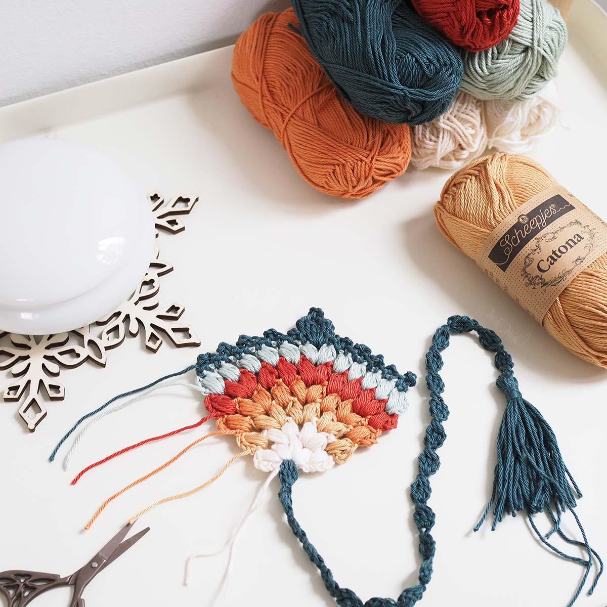 marque-page-crochet-pompon-gland-automne-laboutiquedemelimelo