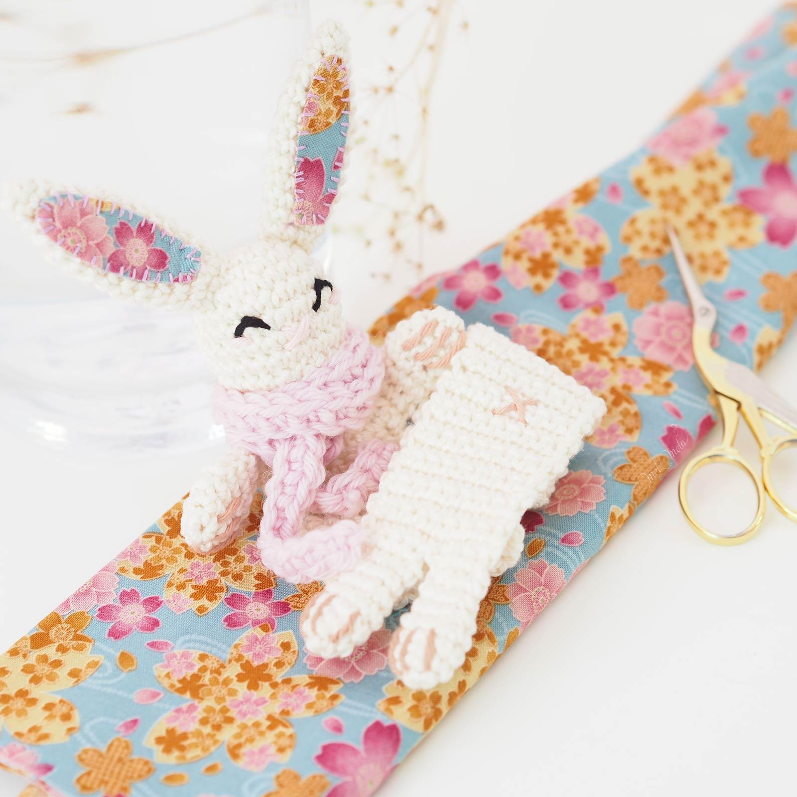 marque-page-lapine-crochet-tissu-japonais-sakura-laboutiquedemelimelo