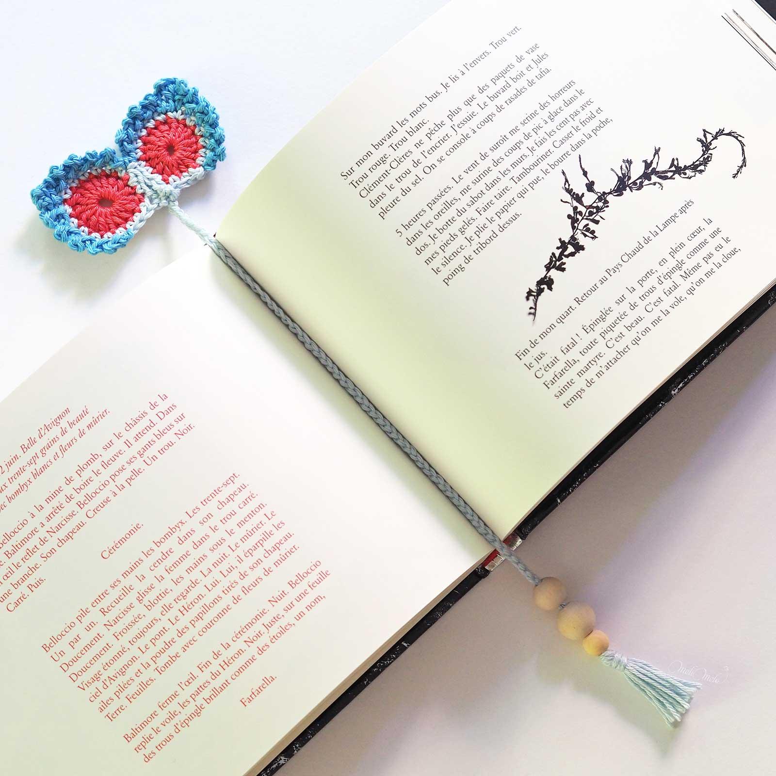 marque-pages livre double plume paon crochet coton laboutiquedemelimelo