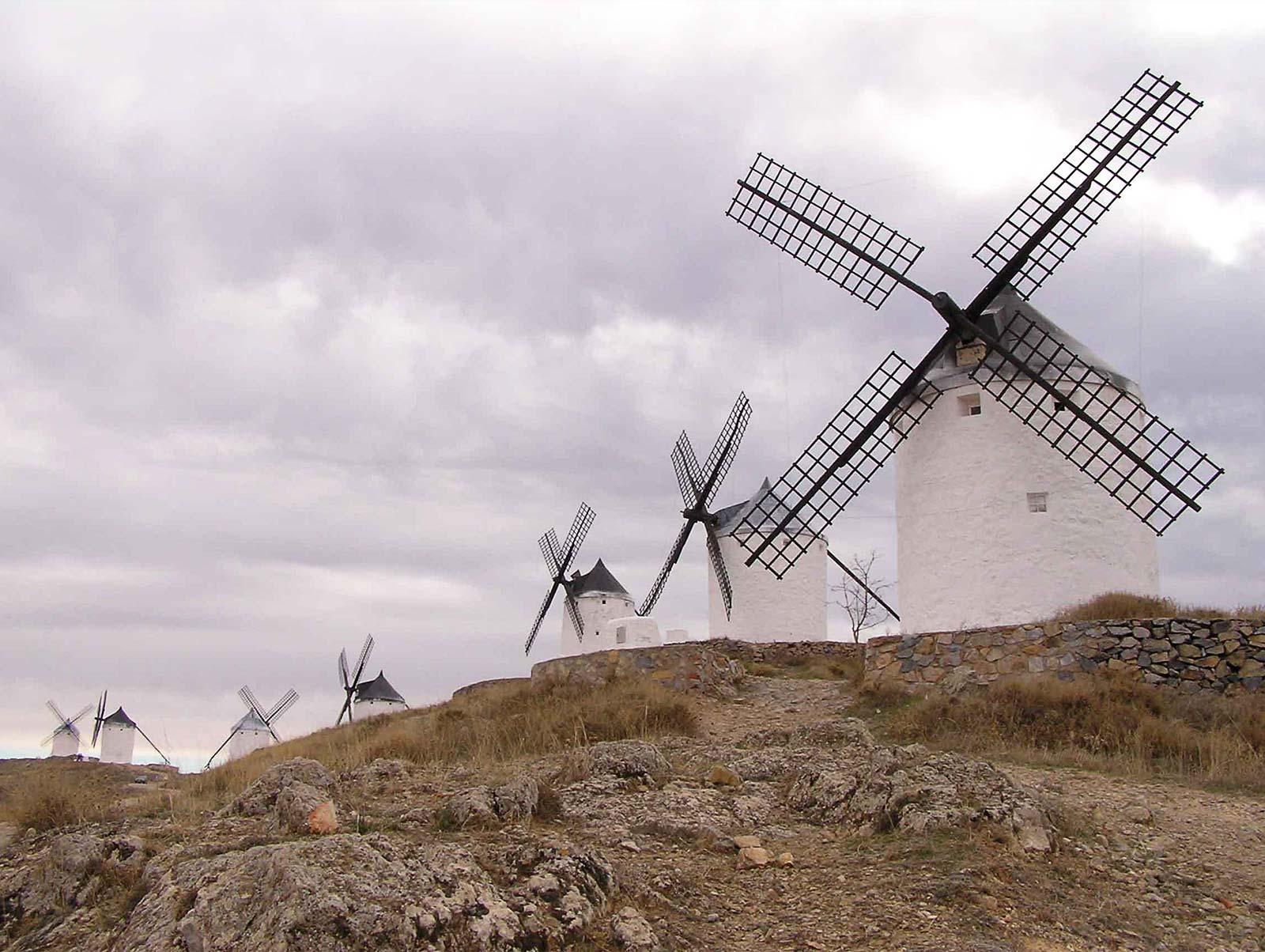 molinos viento campos criptana ciudad rodrigo castilla mancha YoniqueNews