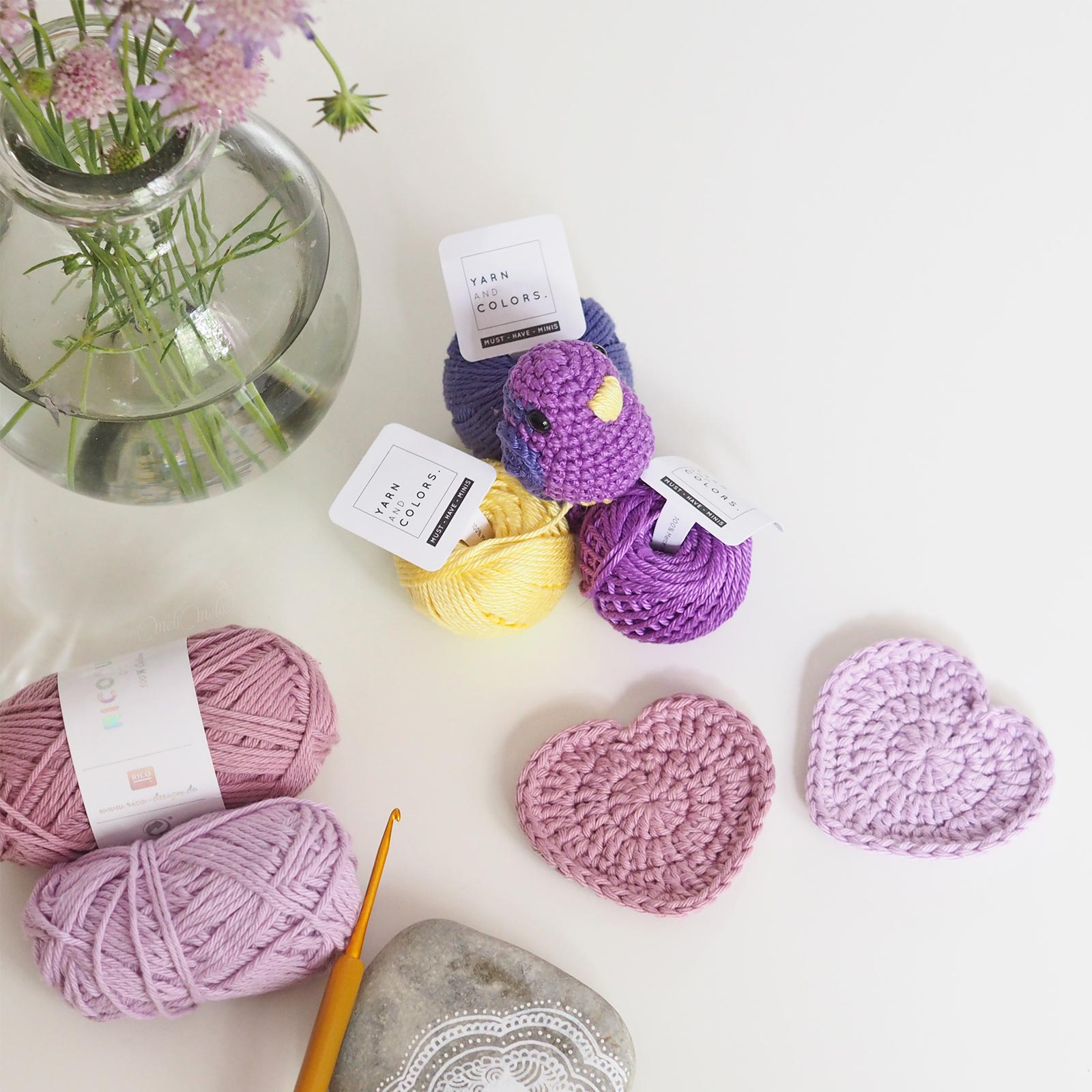 oiseau coeur crochet ricorumi must have minis yarnandcolors thalicreations laboutiquedemelimelo