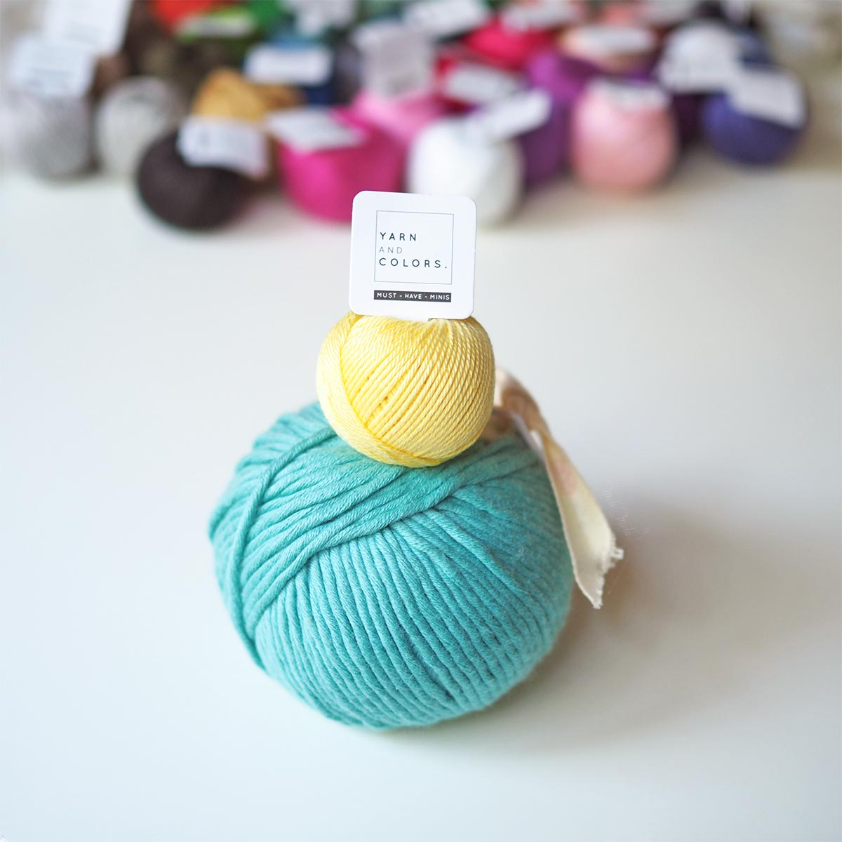 pelote-must-have-mini-yarn-and-colors