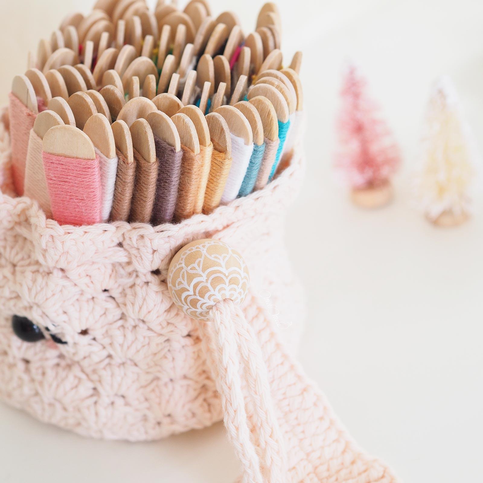 perle-bois-pochon-lapine-crochet-coton-ricorumi-laboutiquedemelimelo