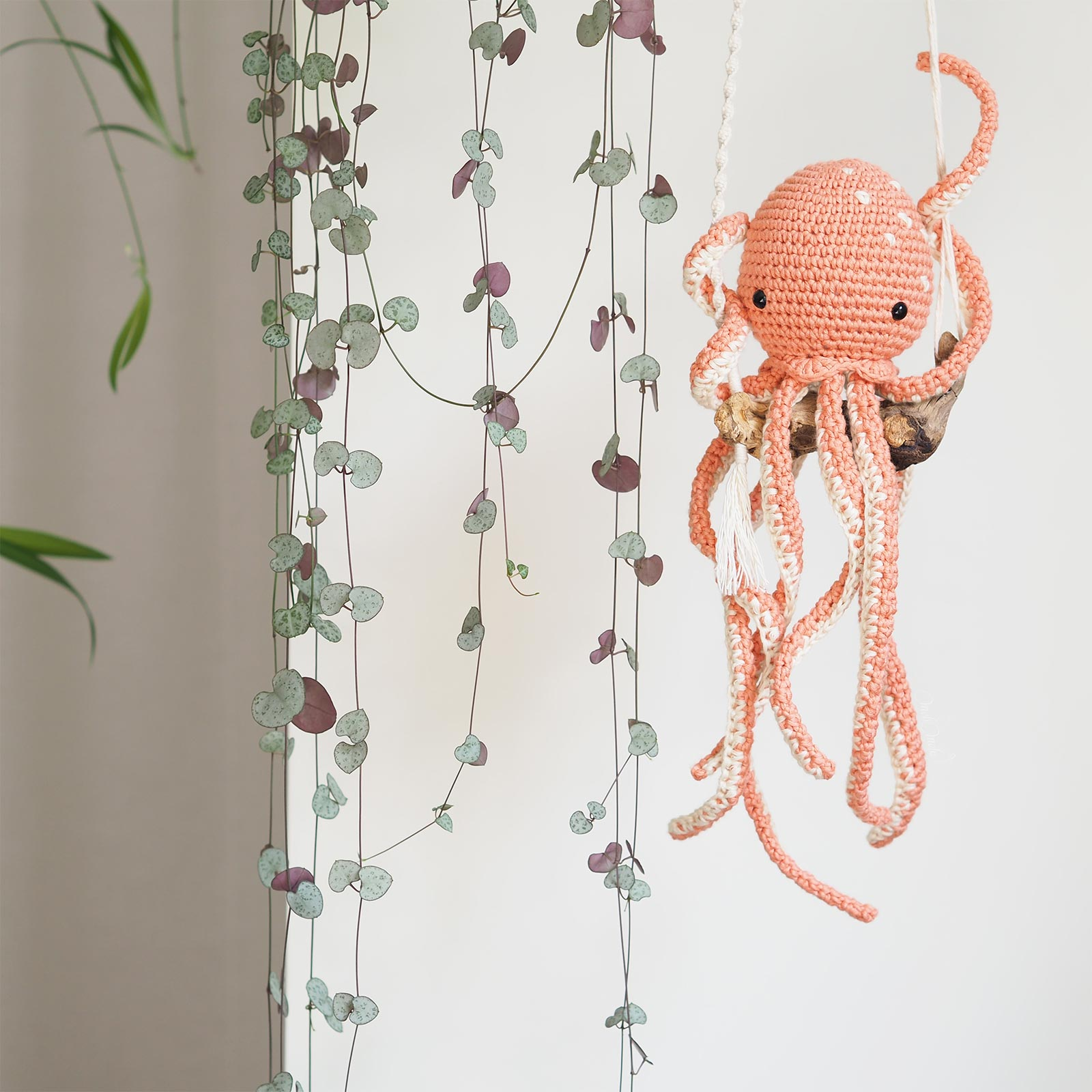 ceropegia woodii pieuvre poulpe octopus crochet algodón Pima salmón We Are Knitters laboutiquedemelimelo