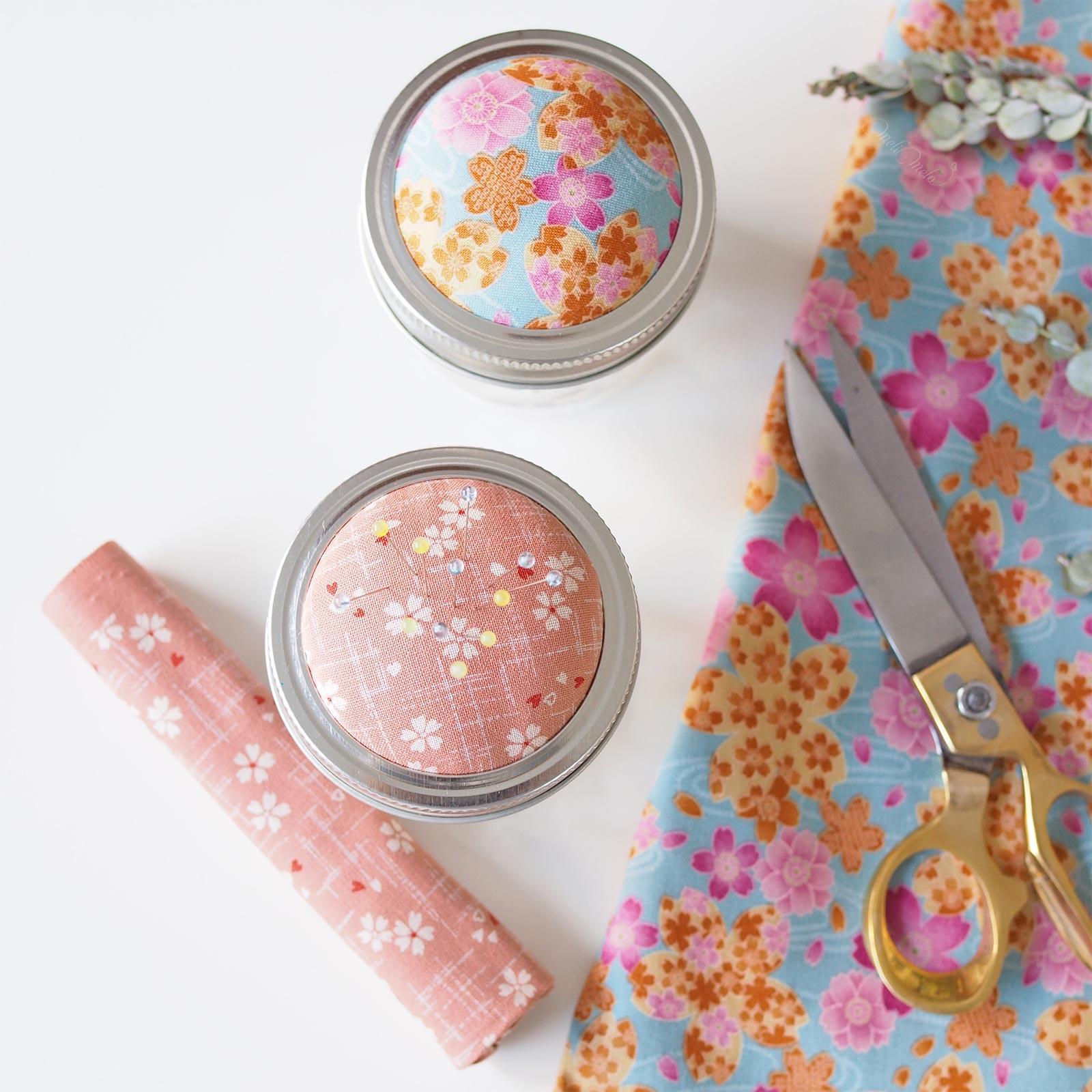 pique-aiguilles tissu japonais fleurs rose Ball mason jar Boutique MeliMelo