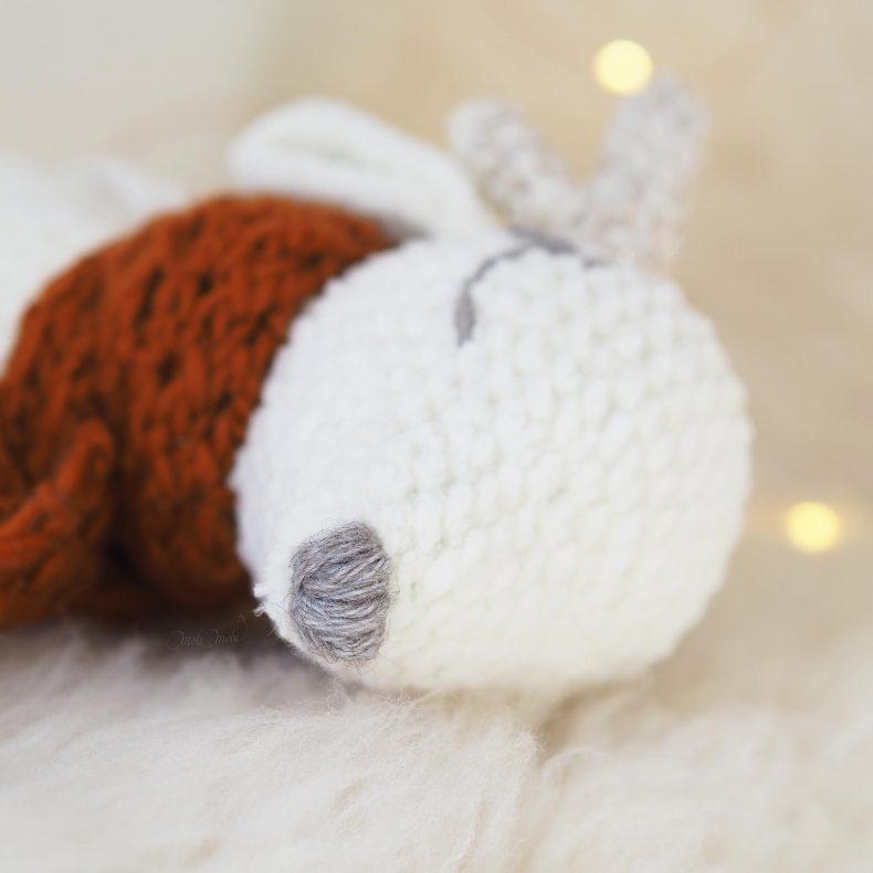 poesie-biche-endormie-amigurumi-crochet-laboutiquedemelimelo