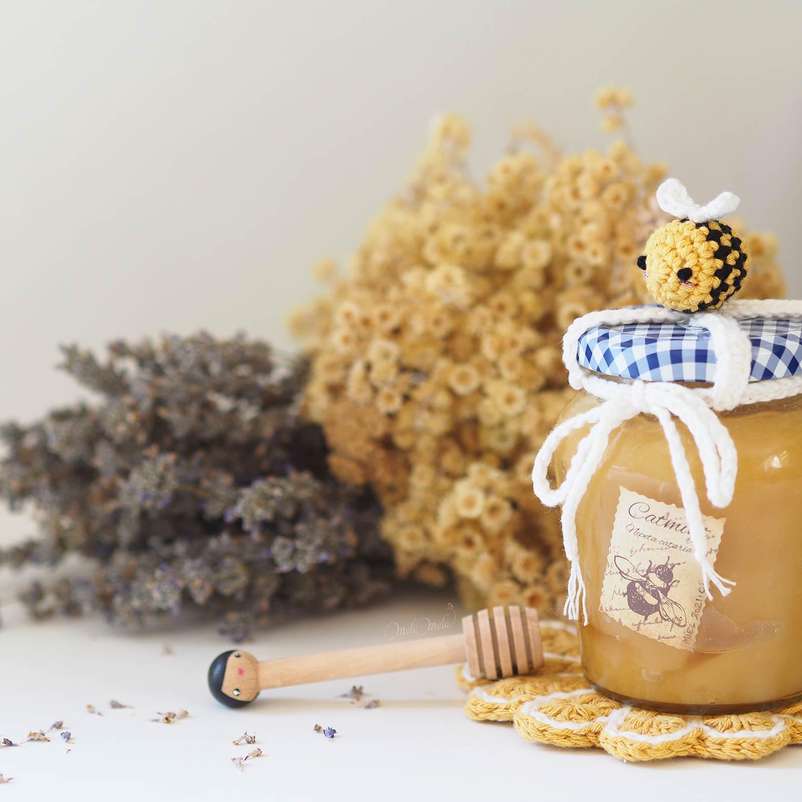 pot-miel-abeille-crochet-amigurumi-deco-gourmand-laboutiquedemelimelo