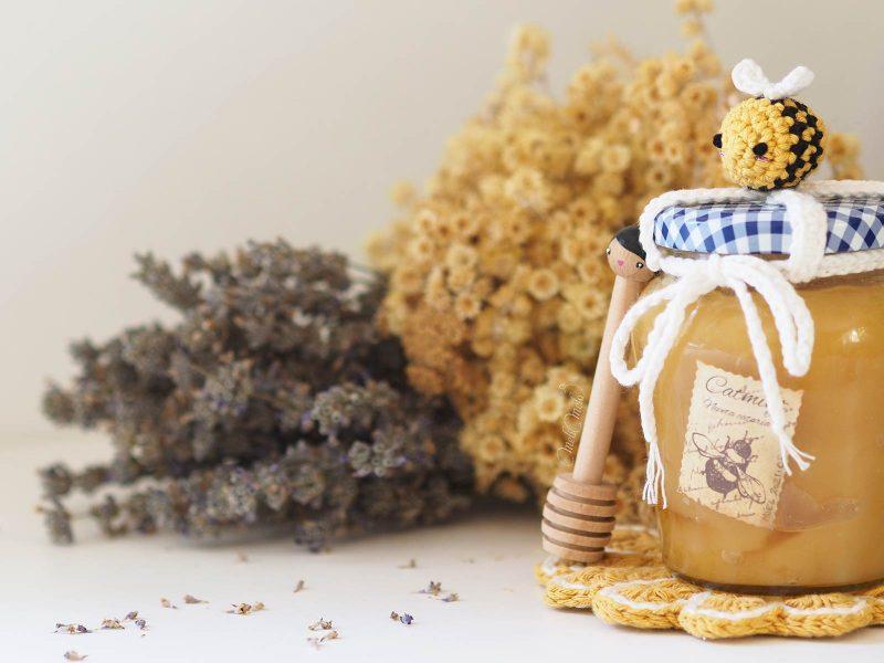 pot-miel-abeille-crochet-amigurumi-deco-lespoisplumes-laboutiquedemelimelo