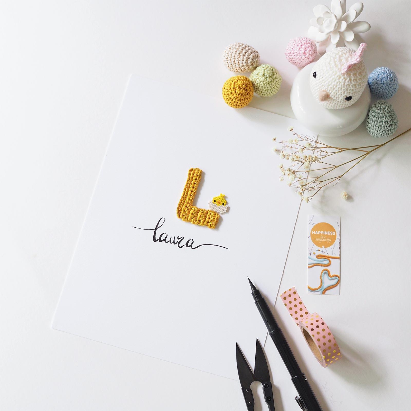 Affiche calligraphiée poussin crochet perles miyuki Laura La Boutique de MeliMelo