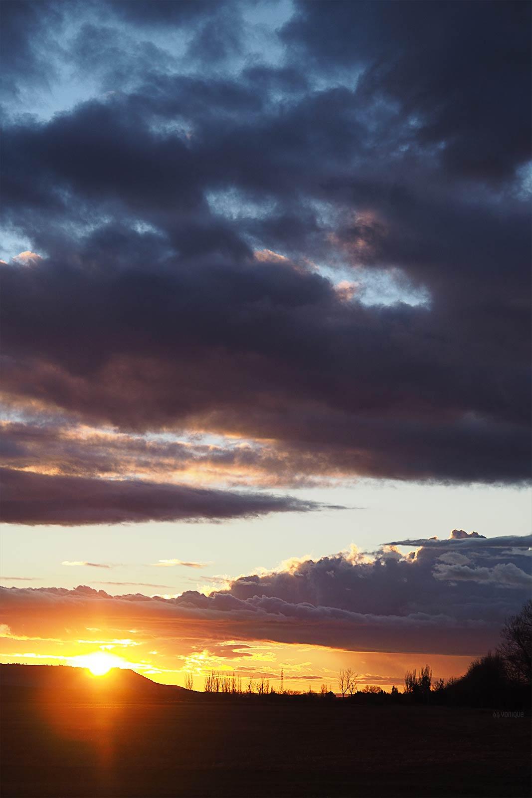 puesta-sol-renedo-valladolid-enero-2021-antes-tormenta-filomena