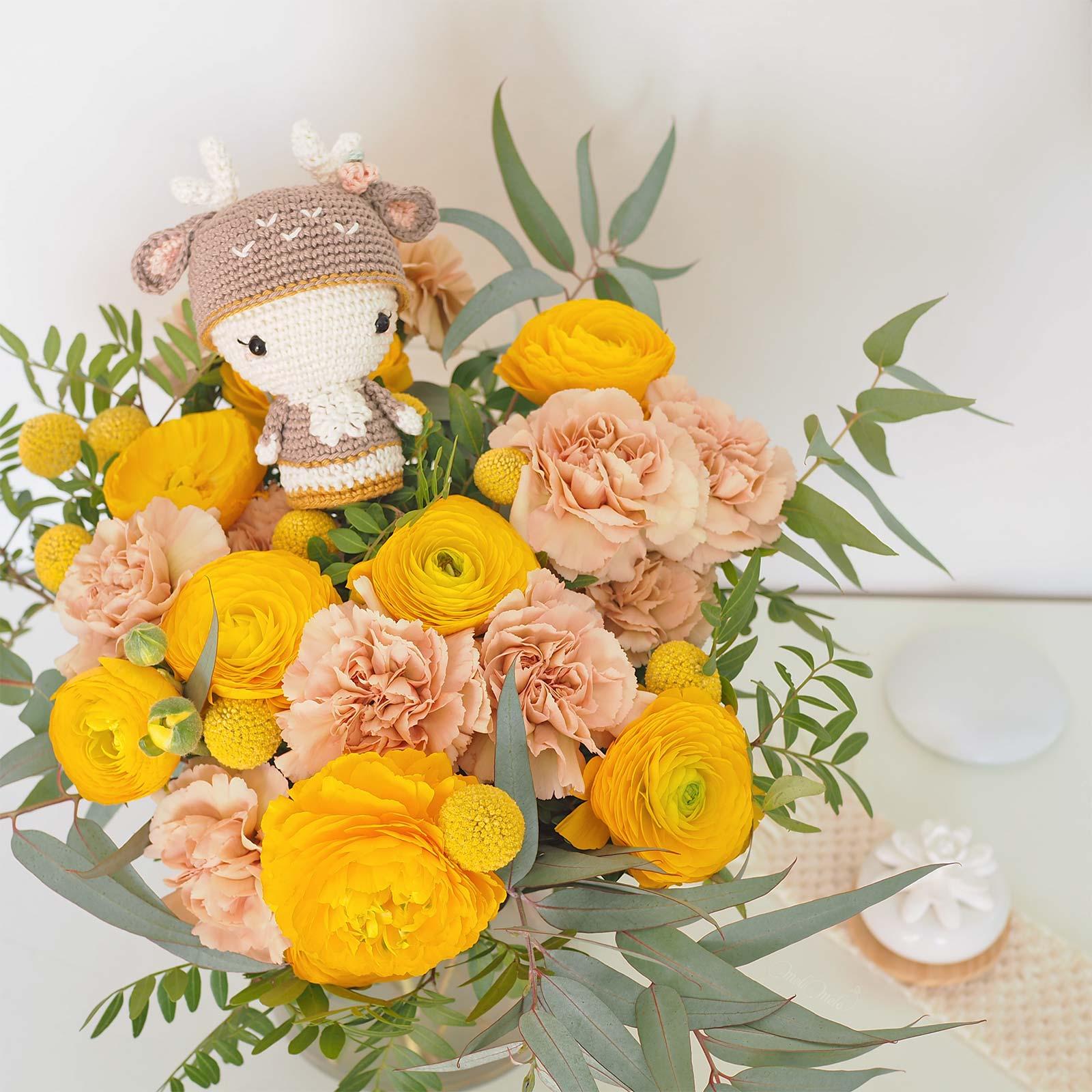ramo flores Colvin mini annie deer crochet aradiyatoys amialong amigurumipatterns laboutiquedemelimelo