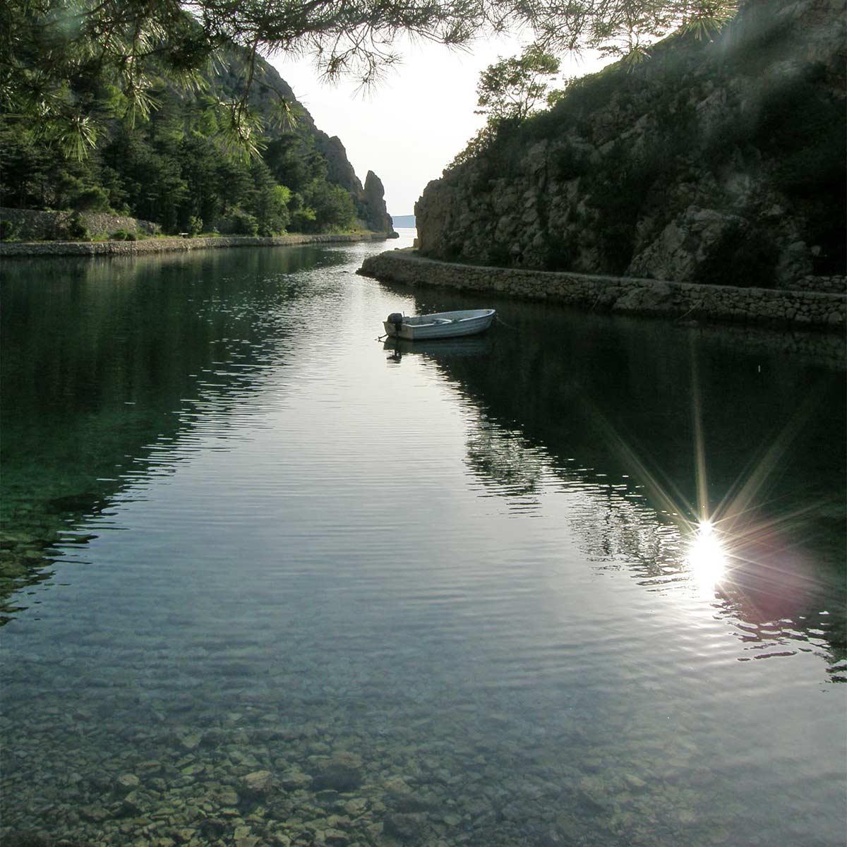roadtrip-croatia-zavratnica-bay-jablanac-yoniquenews-2