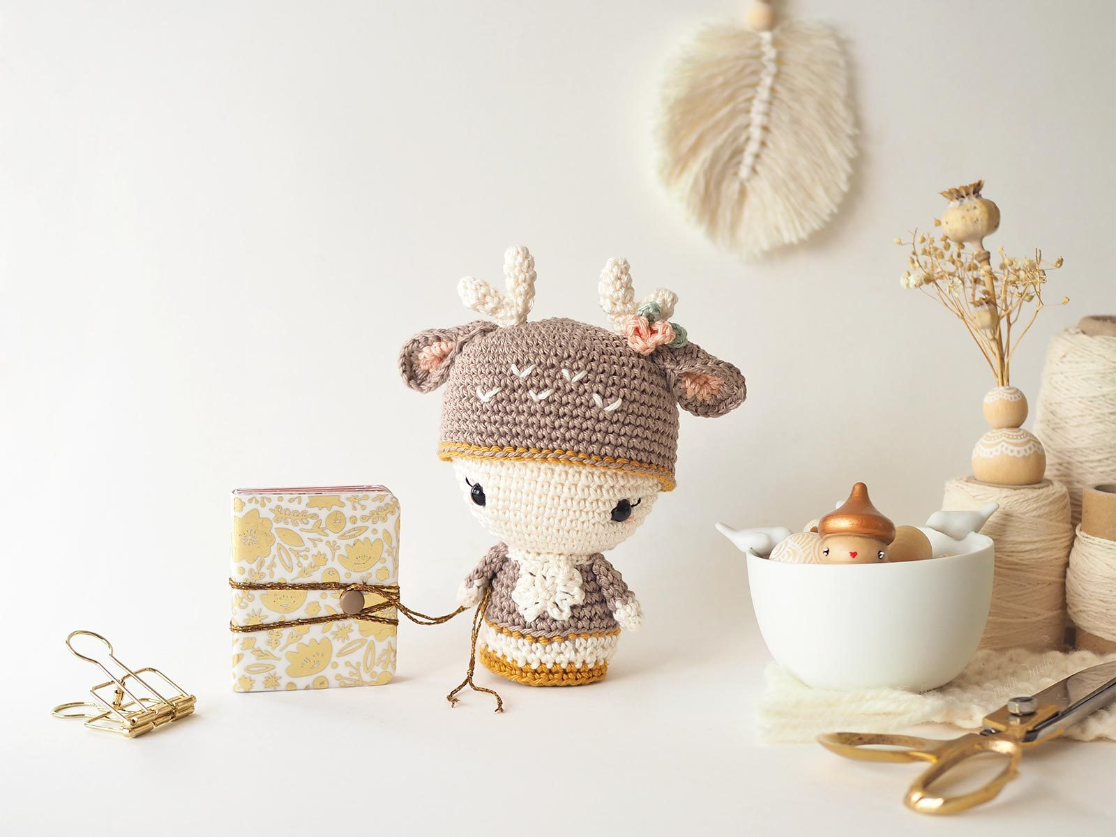 scrapbooking crochet mini album amy tangerine annie deer aradiya toys laboutiquedemelimelo