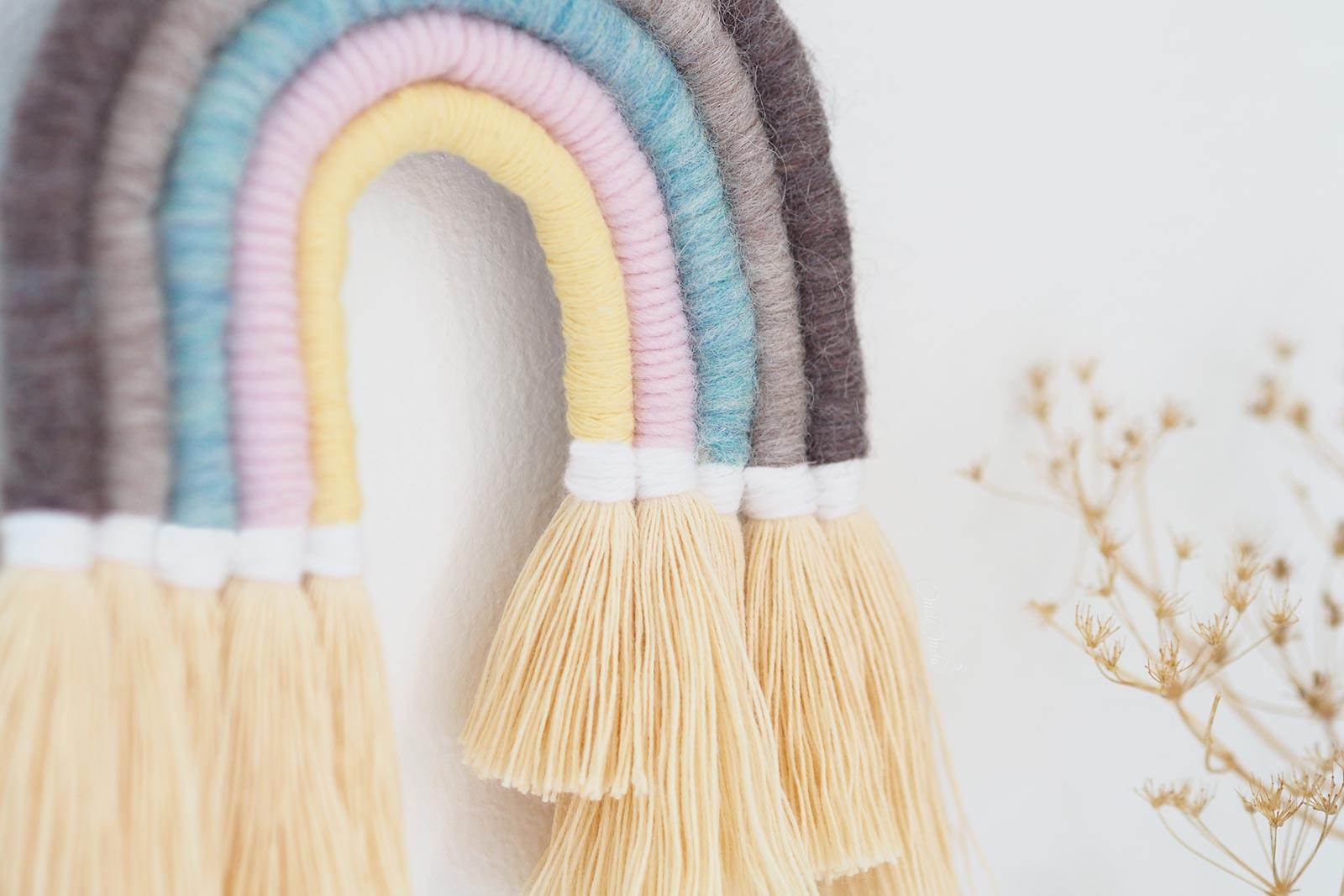 suspension arc-en-ciel-laine-coton-kit-DIY rainbow pastel Boutiquemelimelo