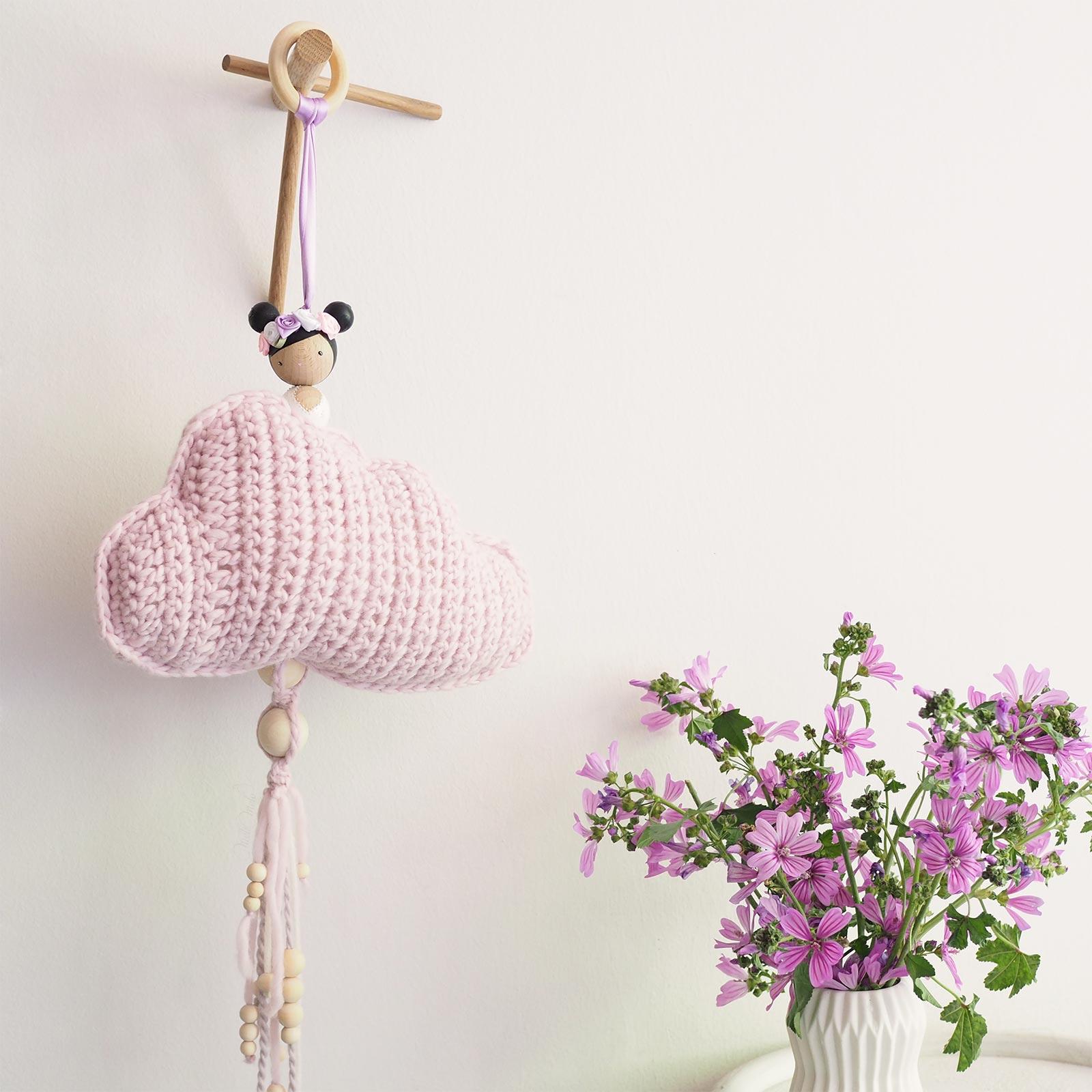 suspension nuage ange décoration crochet poupée couronne fleurie laboutiquedemelimelo