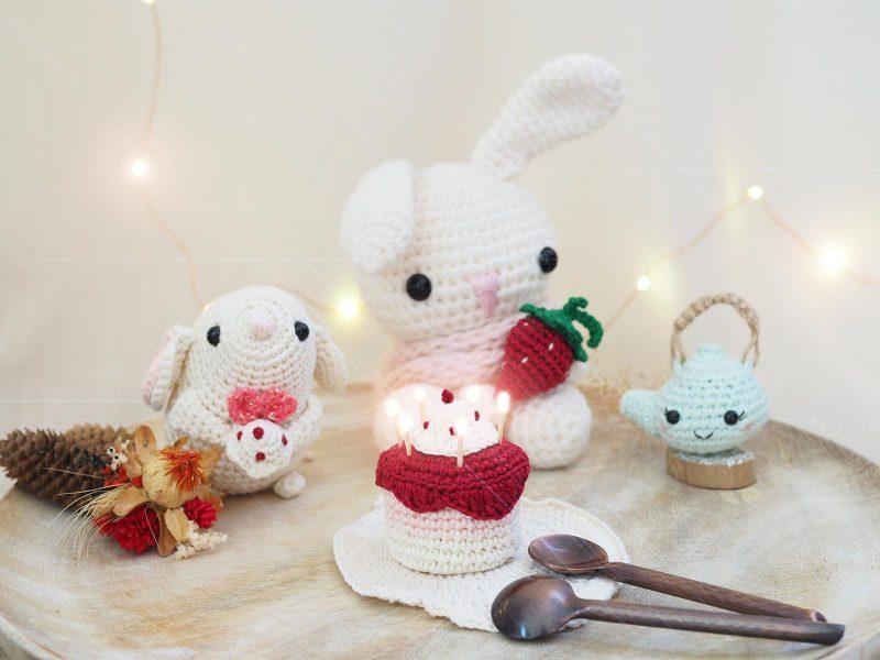 theserialcrocheteusesandmore-anniversaire-10-ans-crochet-amigurumis-souris lapin théière-gâteau boutique MeliMelo