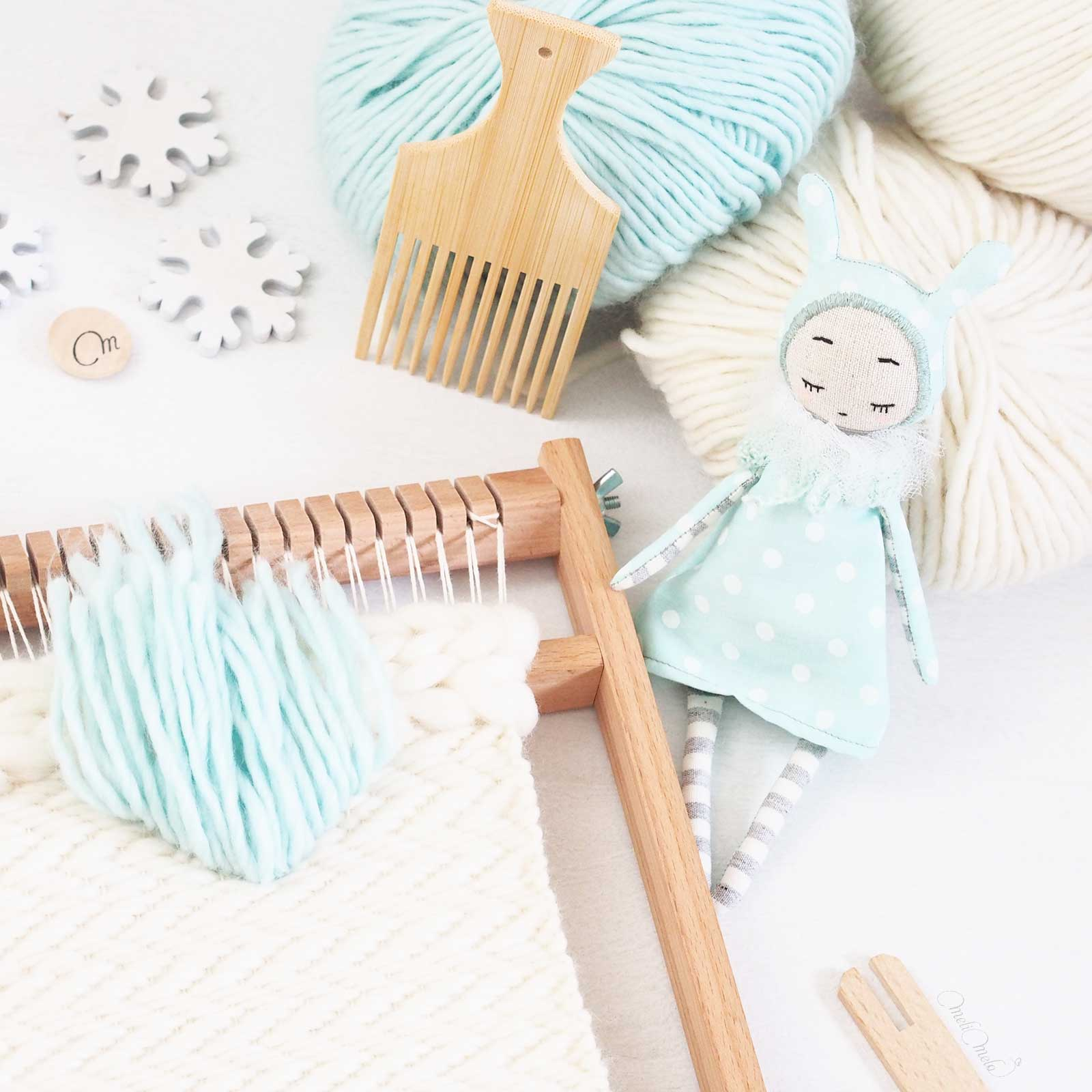 tisaje lana pluma en curso handmade muñeca nikolete laboutiquedemelimelo