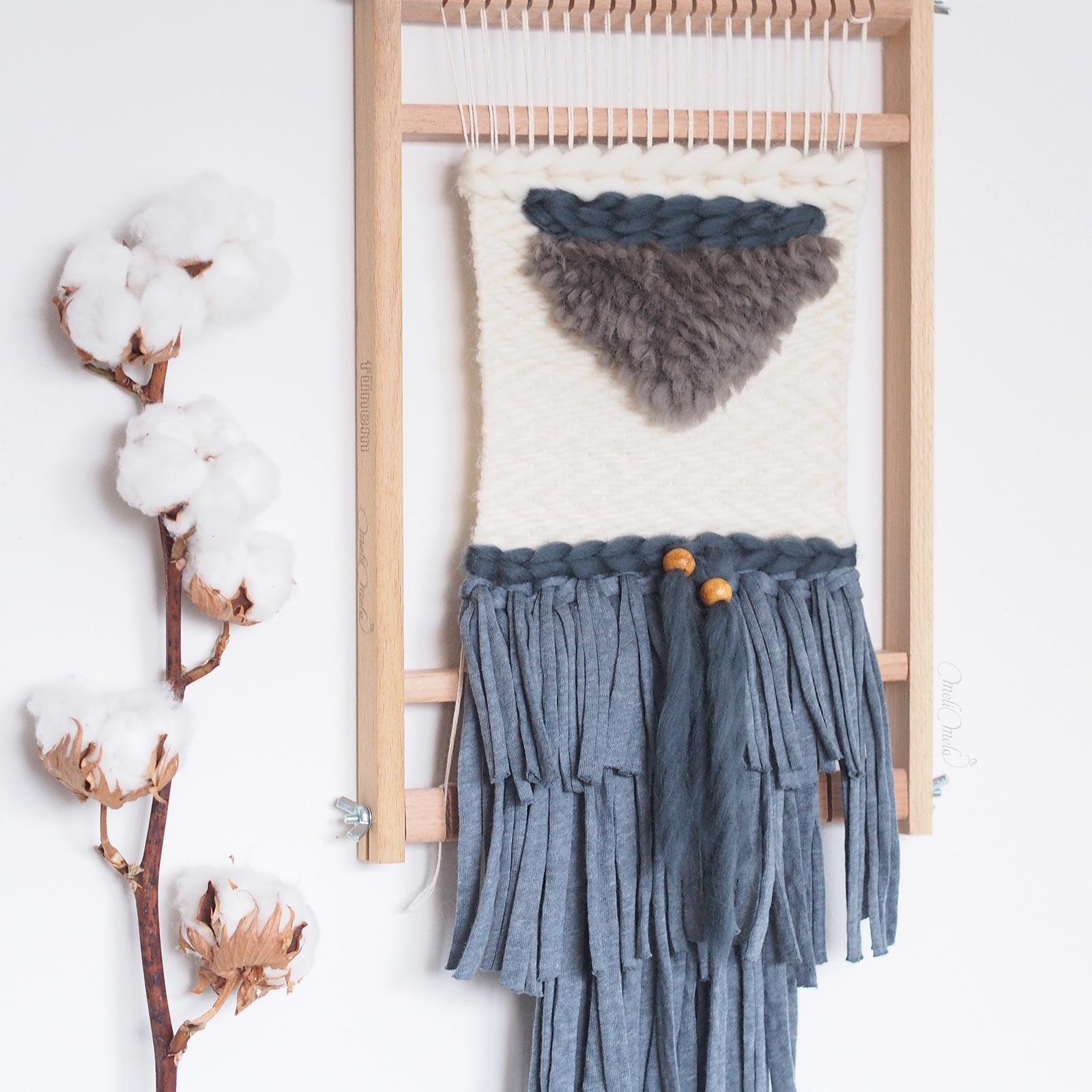 tissage laine Fleur de coton sur métier à tisser