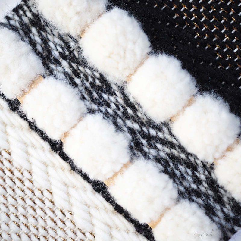 tissage en laine Reflets d'or modèle DIY détails des pompons laboutiquedemelimelo